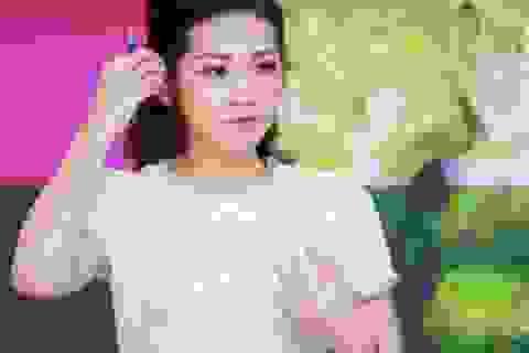Phản hồi của Á hậu Tú Anh sau khi gặp sự cố trên sóng truyền hình
