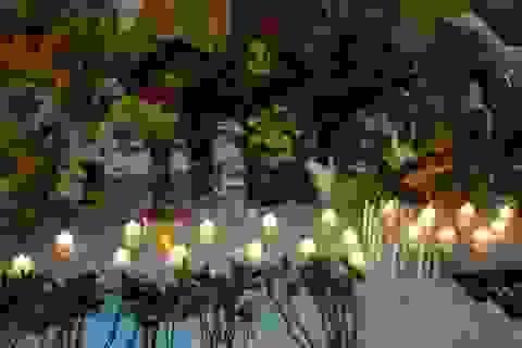 Du khách Việt thăm viếng đền Erawan trong ngày mở cửa trở lại