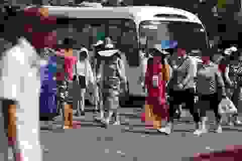 """Đừng biến du lịch Nha Trang thành """"người đi sau dọn rác"""""""