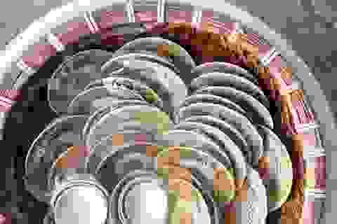 Đào móng nhà phát hiện nhiều bát đĩa cổ