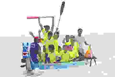 Sôi động giải đua thuyền trên biển Cửa Lò
