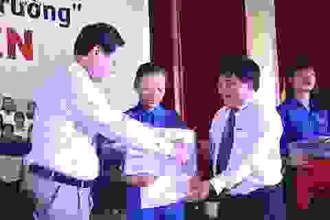 Tiếp sức đến trường cho sinh viên vượt khó Bắc Trung bộ