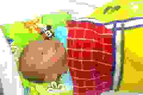 Nhiều người làm đơn xin nhận nuôi cháu bé mới sinh bị bỏ rơi