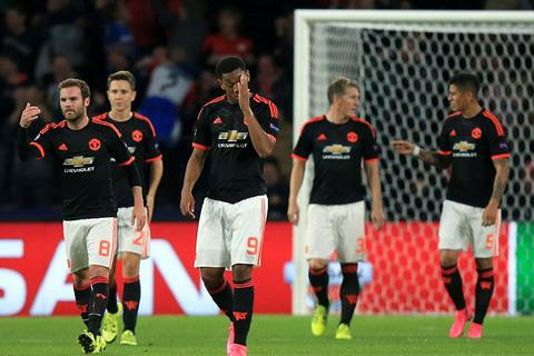 Premier League đứng trước nguy cơ mất một suất dự Champions League