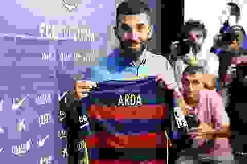 """Barcelona """"đánh liều"""" đăng ký thi đấu sớm cho Arda Turan"""