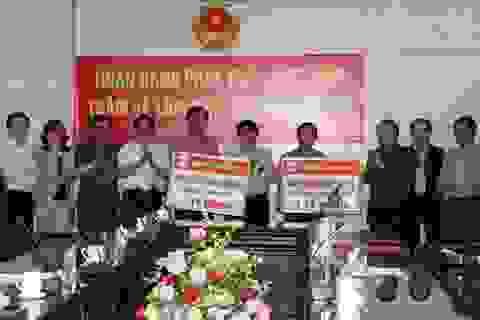 Ngân hàng VDB hỗ trợ đồng bào Lào Cai thiệt hại nặng vì mưa đá