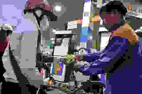 Giá xăng không thể giảm hơn do... chính sách