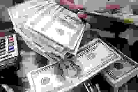 Ngân hàng tăng mạnh giá mua USD, đẩy giá bán lên kịch trần