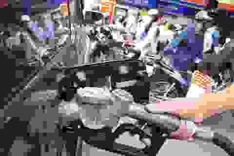 Tăng thuế môi trường xăng lên 8.000 đồng/lít: Sẽ là cú sốc ngỡ ngàng!