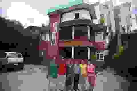 Nhóm người Việt Nam quyên góp ủng hộ nạn nhân động đất ở Nepal