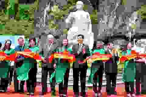 Khánh thành tượng đài anh hùng vũ trụ Ghéc-man Ti-Tốp trên Vịnh Hạ Long