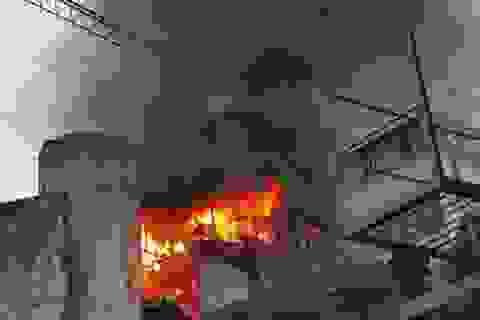 Hà Nội: Nhà 3 tầng cháy lớn, cả gia đình may mắn thoát nạn