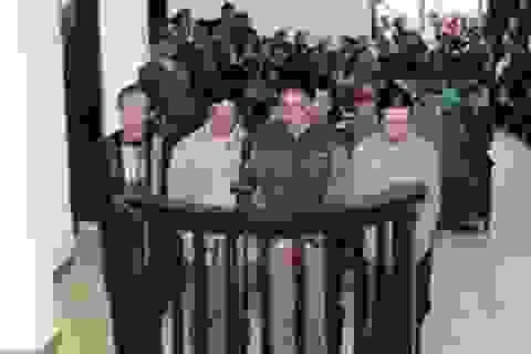 """Y án sơ thẩm nhóm """"cát tặc"""" đánh chết 2 thành viên tổ tuần tra"""