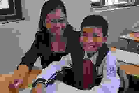 Thăm lại cậu bé Bùi Thanh Hiếu sau 4 năm sang Hàn Quốc mổ não