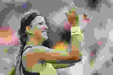 Loại Sharapova, Azarenka tranh cúp vô địch với Serena