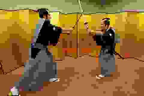 Các cầu thủ Arsenal hóa thân thành võ sĩ Samurai