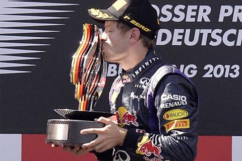 Vettel chiến thắng trên đường đua quê nhà