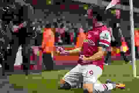 Đánh bại Liverpool, Arsenal độc chiếm ngôi đầu bảng