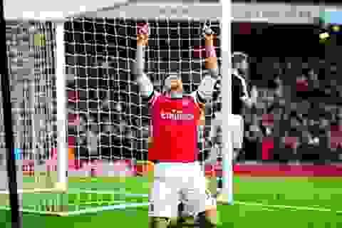 """Giroud lập cú đúp, Arsenal """"bắn rụng"""" Southampton"""