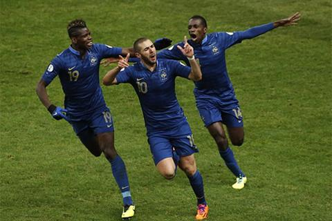 Nhờ trọng tài, Pháp ngược dòng giành vé tới World Cup 2014