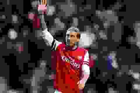 Bendtner tỏa sáng giúp Arsenal hạ Cardiff City