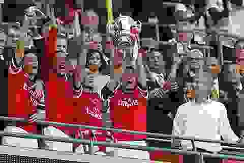 Khoảnh khắc lịch sử sau 9 năm đợi chờ của Arsenal