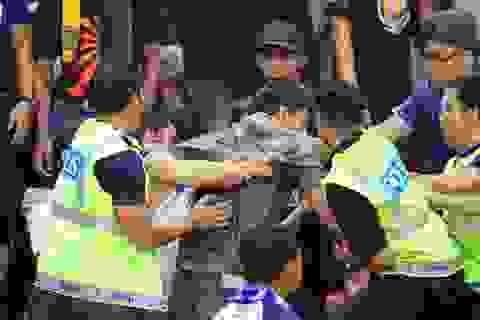 Lo bị trả đũa, CĐV Malaysia trả lại vé cho VFF