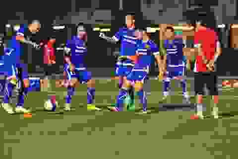 Chùm ảnh: Buổi tập đầu tiên của U23 Việt Nam tại Singapore