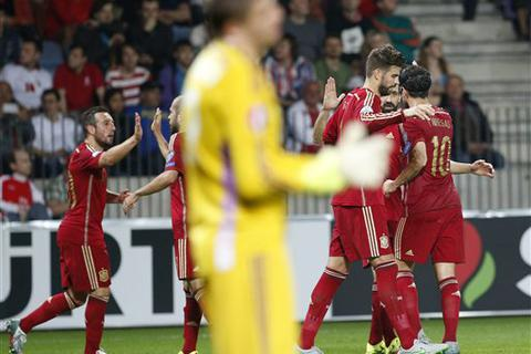 David Silva tỏa sáng, Tây Ban Nha đánh bại Belarus