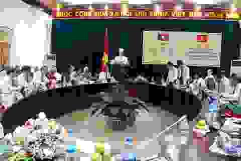 Nhà nước và chính phủ Lào tặng huân chương, huy hiệu và bằng khen cho Gia Lai