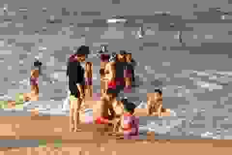 Đề nghị Bộ Quốc phòng cùng quan trắc chất lượng nước biển miền Trung