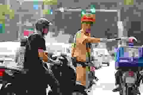 Cảnh sát chỉ huy, điều khiển giao thông được sử dụng súng, dùi cui điện