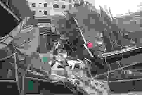 Hà Nội: Phân luồng giao thông qua đoạn đường vụ sập giàn giáo