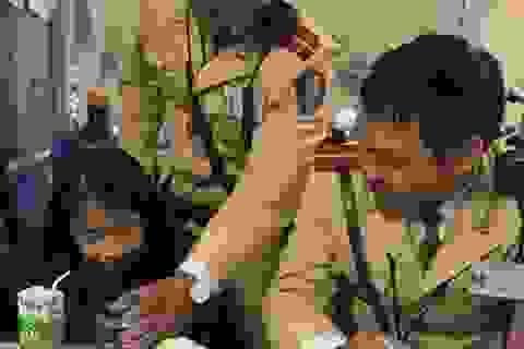 Hà Nội: CSGT giúp cháu bé 9 tuổi bị lạc về với gia đình
