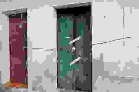 Hà Nội: Đôi nam nữ ôm nhau chết trong nhà trọ