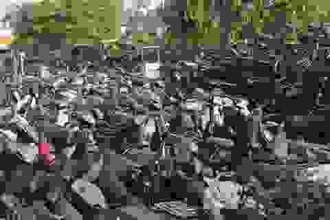 """Hà Nội: """"Xót ruột"""" nhìn hàng nghìn xe máy biến thành sắt vụn"""