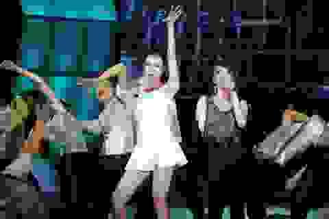 Hai cháu gái xinh đẹp của Lam Trường khoe sắc trên sân khấu
