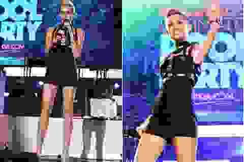 Miley Cyrus tiếp tục diễn trang phục gợi cảm