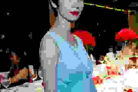 Xuân Lan bế bụng bầu ra Nha Trang tổ chức sinh nhật