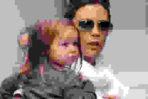 Harper Beckham càng lớn càng dễ thương