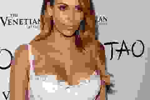 """Kim Kardashian mặc váy """"siêu hở"""" đón sinh nhật"""