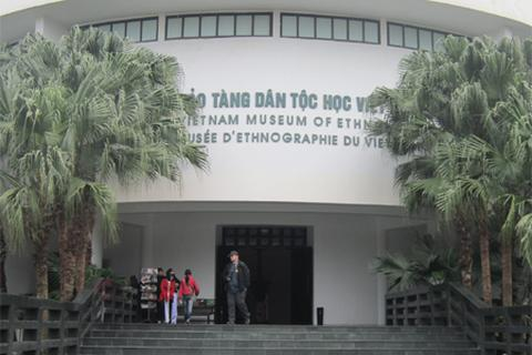 Bảo tàng Dân tộc học tiếp nhận tư liệu bộ VH Thái Lan gửi tặng