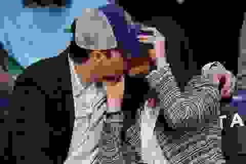 Mila Kunis - Ashton Kutcher tình tứ khi đi xem bóng rổ
