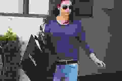 Mila Kunis lộ vòng hai đầy đặn khi đi mua sắm