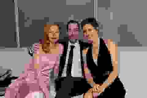 Người đẹp Hollywood vui vẻ tiệc tùng