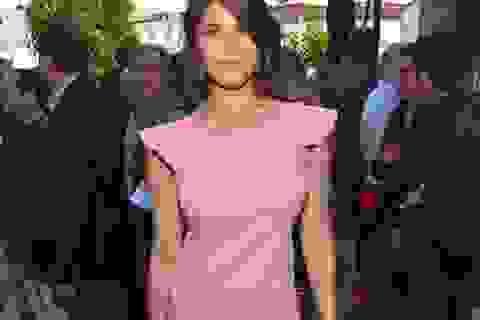 """""""Bond girl"""" nổi bật tại LHP Cannes"""