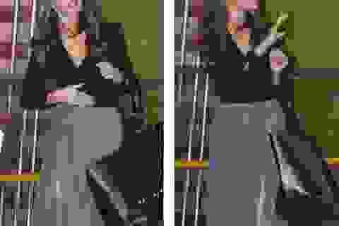 Người mẫu Anh khoe chân thon dài với váy nghìn đô