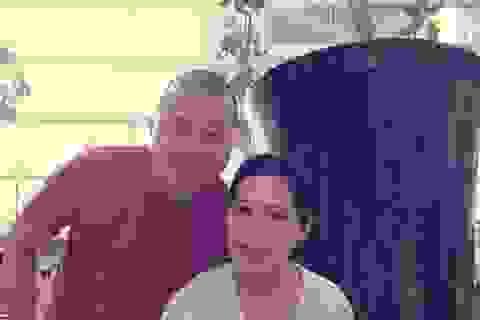"""Diễn viên Hải Anh đưa vợ con """"du hí"""" Singapore"""