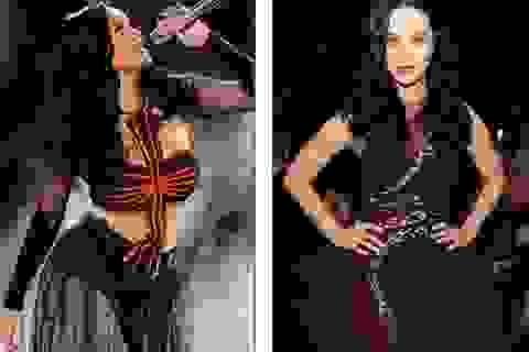 Katy Perry liên tục thay 4 chiếc váy gợi cảm