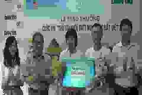 """Trao thưởng bạn đọc giành giải cuộc thi """"Thử tài hiểu biết non sông Đất Việt"""""""